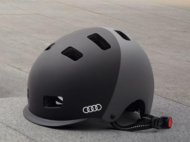 Audi hjelm