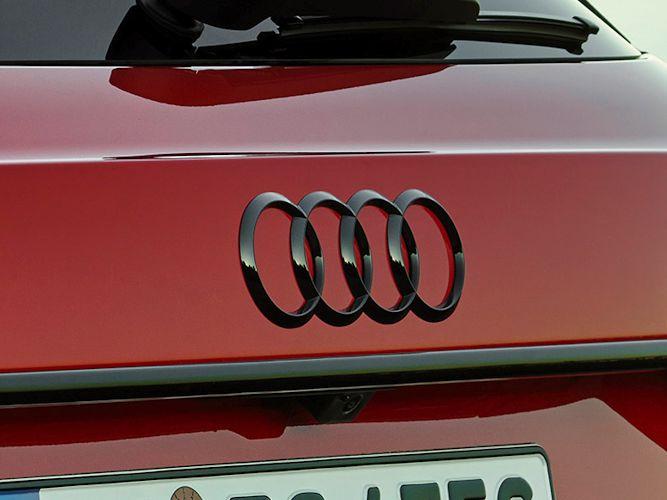 Audi ringe i sort højglans til bagklap
